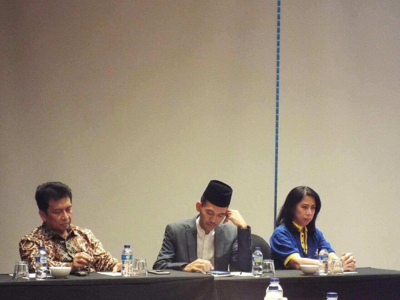 Pemateri dalam acara ini, DR. Jean, DR. HM Asrorun (MUI), dr Hindrawan(IDAI)