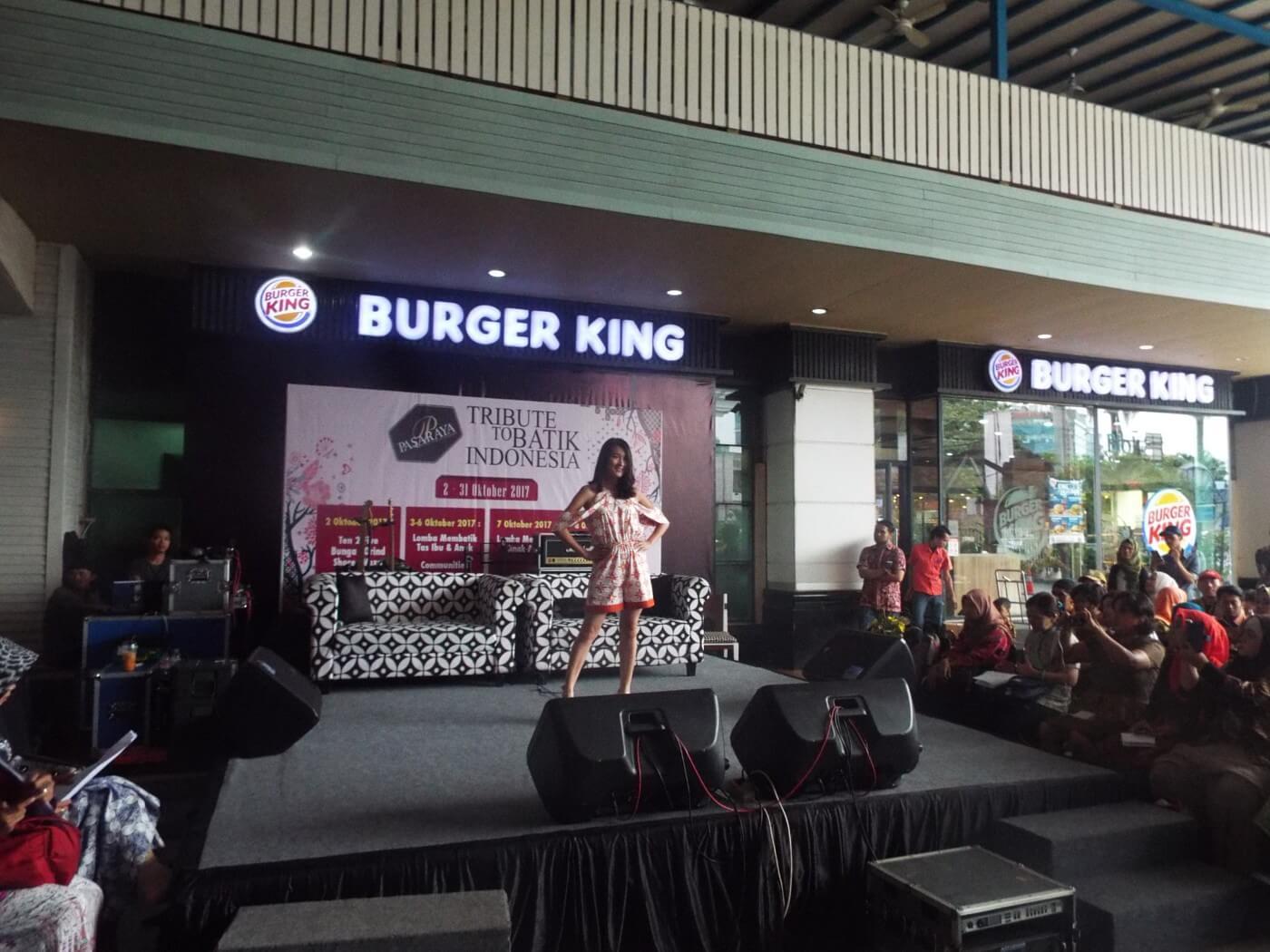 Pembukaan event pasaraya tribute to batik