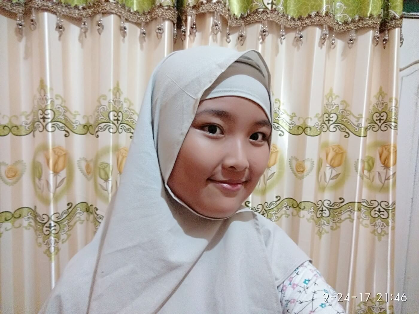 Dhanty using hijab aruna creatif