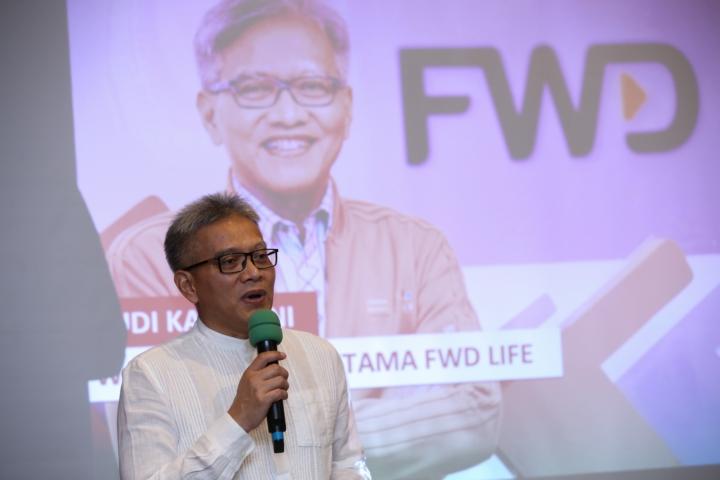 Bapak Wakil Direktur FWD life Rudi Kamdani