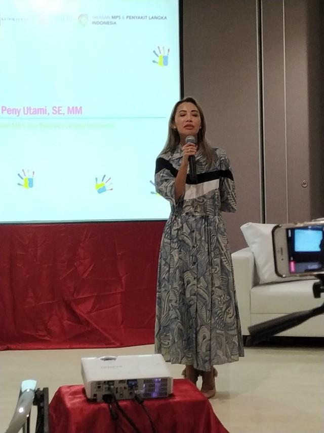Mbak Peny Utami dari Yayasan Penyakit Langka