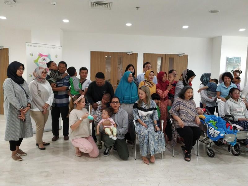 Para keluarga pasien anak dengan penyakit langka