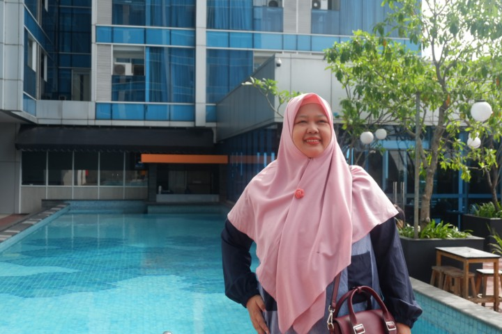 Di depan Pool Best Western Premier The Hive