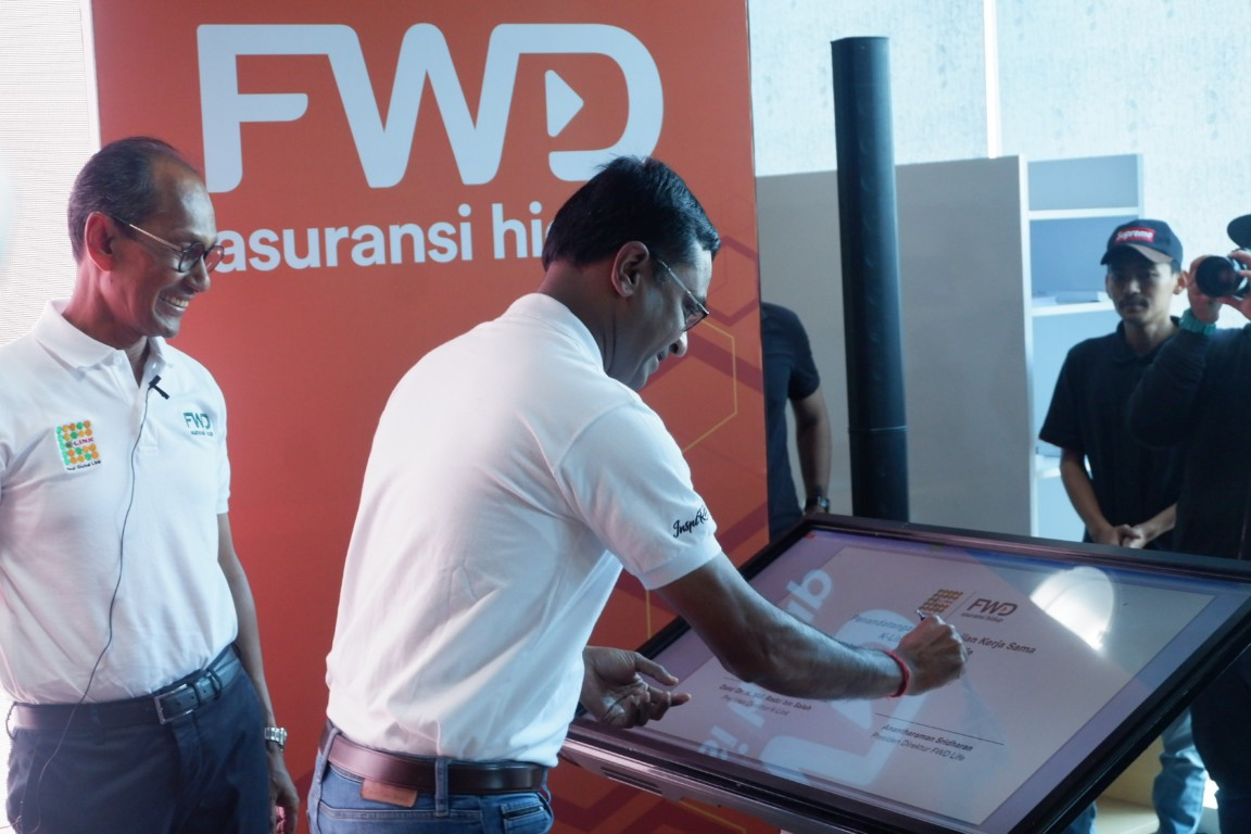 Penandatangan perjanjian kerjasama K-Link Dan FWD Life