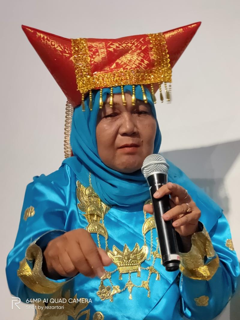 Ibu Sri Hartati